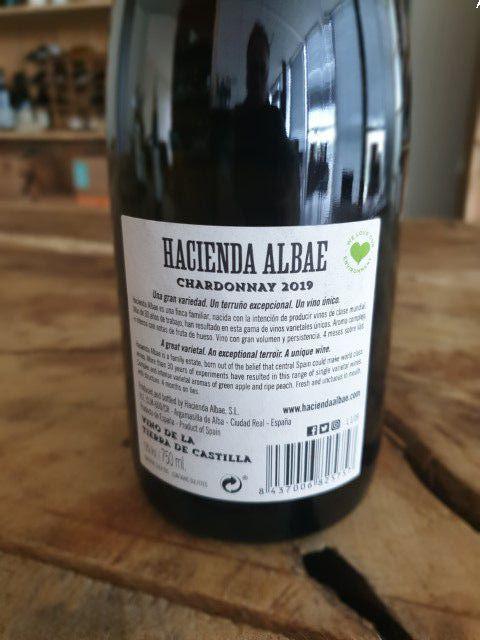 hacieda albae chardonnay